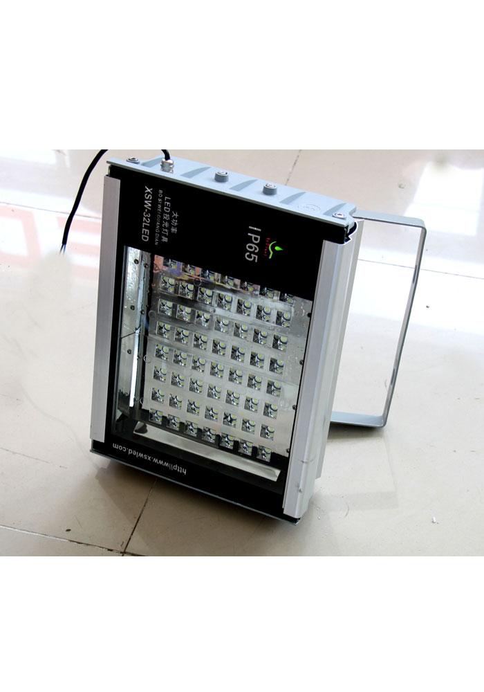 LED投光灯实物图-001